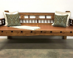Colonial Style Daybed